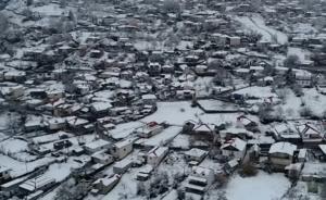 """Καιρός: Η """"Πηνελόπη"""" ζωγράφισε – Εκπληκτικές εικόνες από drone στο κλίμα των Χριστουγέννων – video"""