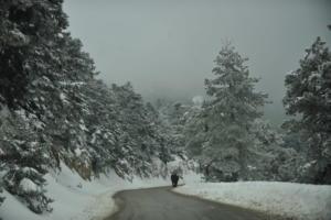 Καιρός – Η Πηνελόπη είναι εδώ! Χιόνια στην Πάρνηθα – Ψυχρή εισβολή παντού