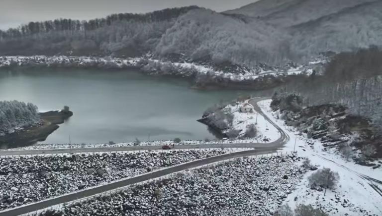 Γιάννενα: Μαγικές εικόνες στα χιόνια βγαλμένες από πίνακα ζωγραφικής – Εκπληκτικά πλάνα από drone – video
