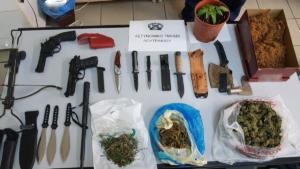 Κορινθία: Έκρυβαν από ναρκωτικά μέχρι όπλα – Χειροπέδες σε δύο άντρες και μία γυναίκα [pics]