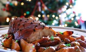 """""""Πετάει – πετάει"""" η γαλοπούλα! Πόσο θα κοστίσει το χριστουγεννιάτικο τραπέζι"""