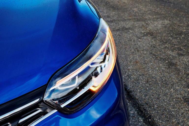 Τα φώτα ημέρας των αυτοκινήτων μπερδεύουν τους οδηγούς! | Newsit.gr