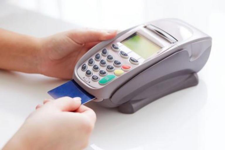 Αφορολόγητο: Ανατροπή στις αποδείξεις με κάρτα! Τέλος τα μετρητά, αλλιώς πρόστιμο