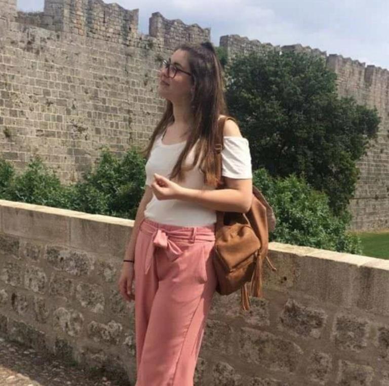 Έγκλημα στη Ρόδο: Ραγίζουν καρδιές οι γονείς της 21χρονης φοιτήτριας | Newsit.gr