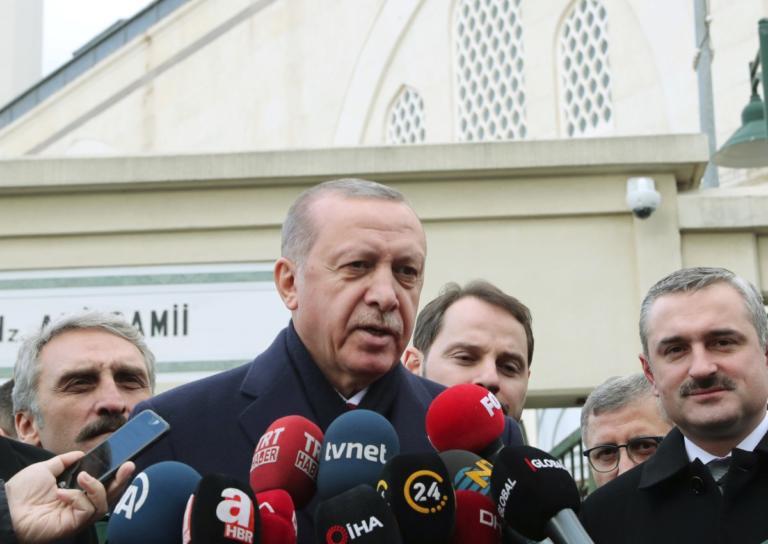 Ο Ερντογάν… «την λέει» στον Μακρόν για την βία στις διαδηλώσεις | Newsit.gr