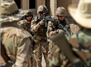 """Γερμανία: """"Φασιστικοί πυρήνες στο Στρατό έχουν στο στόχαστρο πολιτικούς"""""""