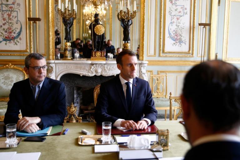Μακρόν – Παρίσι: Προς κήρυξη κατάστασης έκτακτης ανάγκης η Γαλλία!