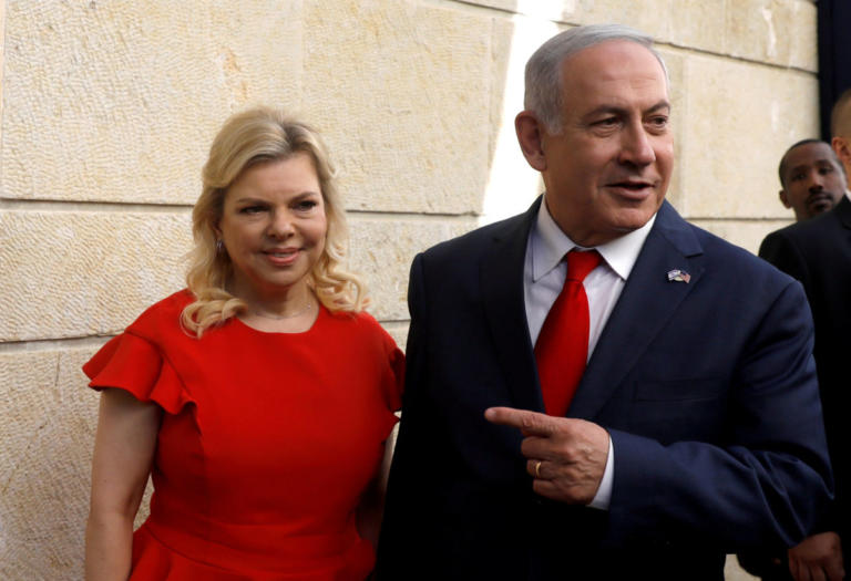 Ισραήλ: Τη δίωξη του Νετανιάχου για απάτη και διαφθορά ζητά η αστυνομία