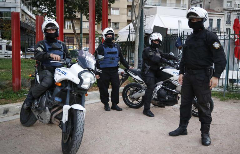 Εξαρθρώθηκε σπείρα που ρήμαζε περίπτερα στον Πειραιά | Newsit.gr