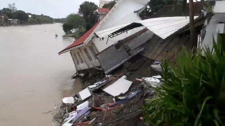 Τραγωδία στις Φιλιππίνες! Πάνω από 50 οι νεκροί από τις πλημμύρες | Newsit.gr