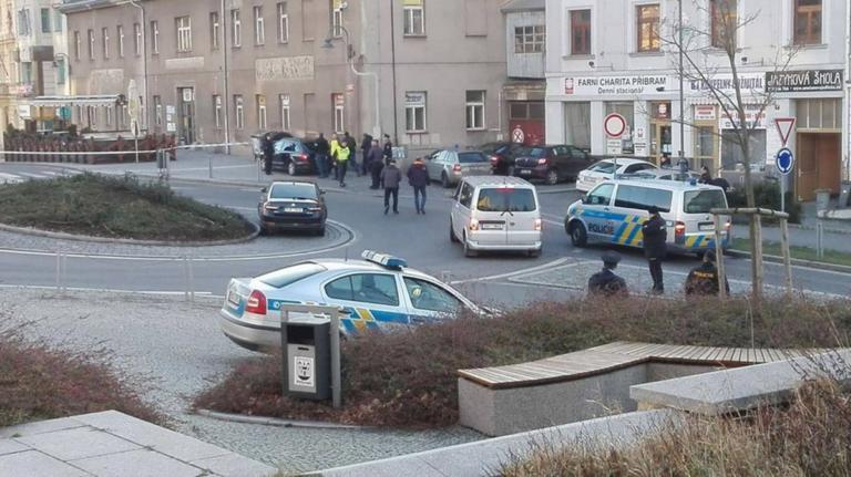 Τσεχία: Ελεύθεροι οι όμηροι – Στα χέρια της αστυνομίας ο δράστης | Newsit.gr