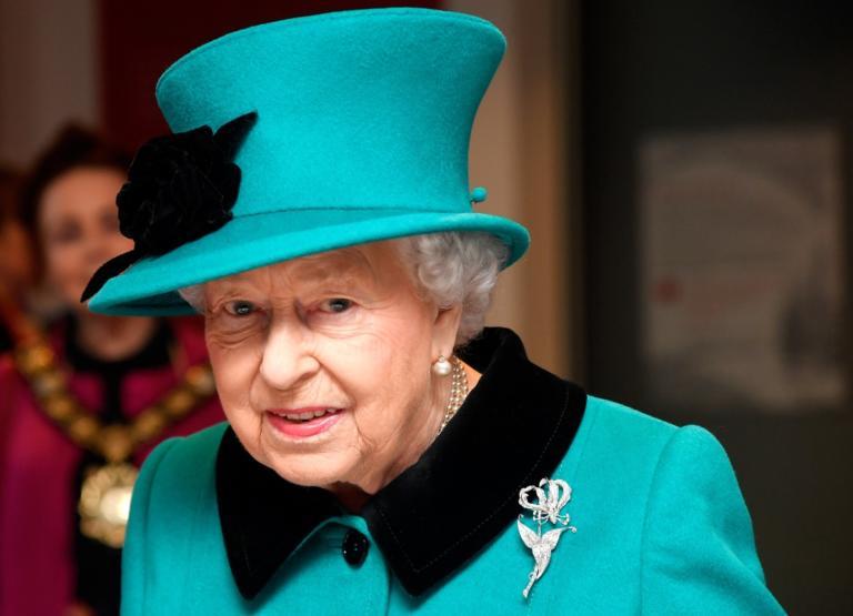 Ελισάβετ: Η ιστορία της αγαπημένης διαμαντένιας τιάρας της Βασίλισσας! | Newsit.gr