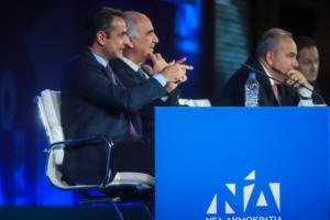 Συνέδριο ΝΔ: Η στήριξη Μητσοτάκη σε Πατούλη και το χειροκρότημα στον Θεοχαρόπουλο