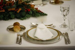 Διπλή τιμή! Μεγάλες διαφορές για το Χριστουγεννιάτικο τραπέζι στη Θεσσαλονίκη