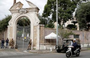 Ρώμη: Κατεβάζουν στρατό για να κλείσει τις λακκούβες στους δρόμους!