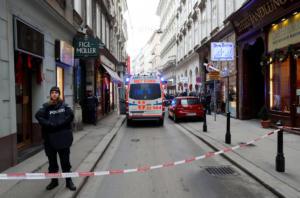 Αυστρία: Πυροβολισμοί στο κέντρο της Βιέννης – Ένας νεκρός και ένας τραυματίας [pics]