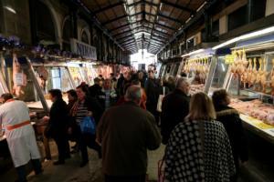 Καθημερινοί είναι οι έλεγχοι στην εορταστική αγορά από την Περιφέρεια Αττικής