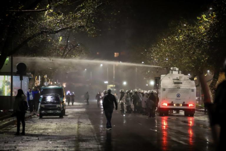 Ένταση και χημικά στο κέντρο της Θεσσαλονίκης την ώρα της ομιλίας Τσίπρα | Newsit.gr