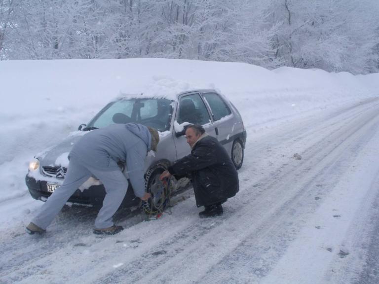Καιρός: Πυκνό χιόνι σε  Πελοπόννησο και Αιτωλοακαρνανία – Που θα χρειαστείτε αλυσίδες | Newsit.gr