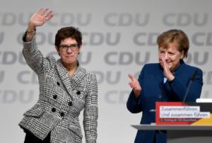 Τέλος και επίσημα η Μέρκελ! Νέα πρόεδρος του CDU η Άνεγκρετ Κραμπ – Καρενμπάουερ