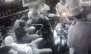 Ναρκωτικά, γυναίκες και ποτά για τους παίκτες της Άρσεναλ – video