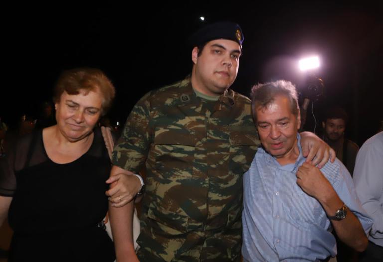 Συγκινεί ο πατέρας του Δημήτρη Κούκλατζη: «Το 2019 να φέρει περισσότερη Ελλάδα στην καρδιά μας»