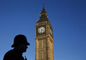 """Το Big Ben… δεν γίνεται να σιγήσει! """"Χτυπά"""" τα μεσάνυχτα της Πρωτοχρονιάς"""
