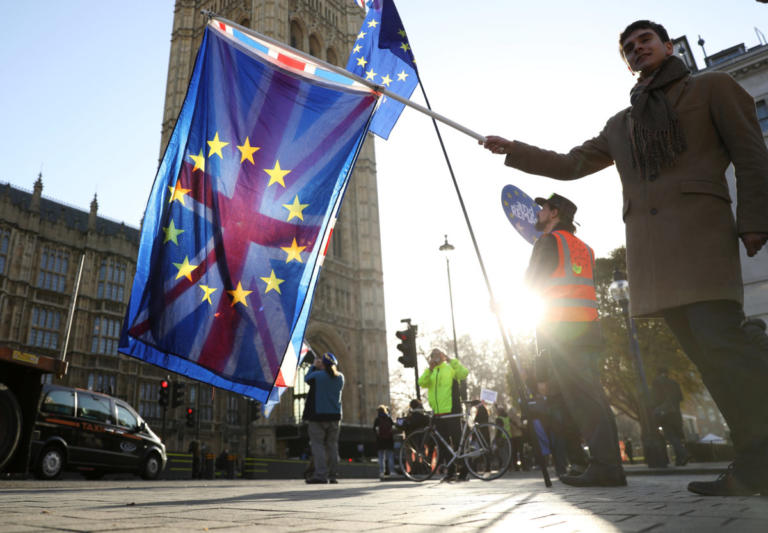 Brexit: Έκτακτα μέτρα για έξοδο χωρίς συμφωνία παίρνει και η Ιρλανδία | Newsit.gr