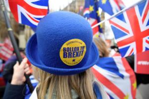 BBC για Brexit: Η Μέι ματαιώνει την ψηφοφορία στη Βουλή!