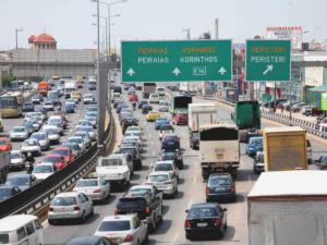 Χριστούγεννα: Στα περσινά επίπεδα η έξοδος των εκδρομέων – Που απαγορεύεται η κυκλοφορία φορτηγών