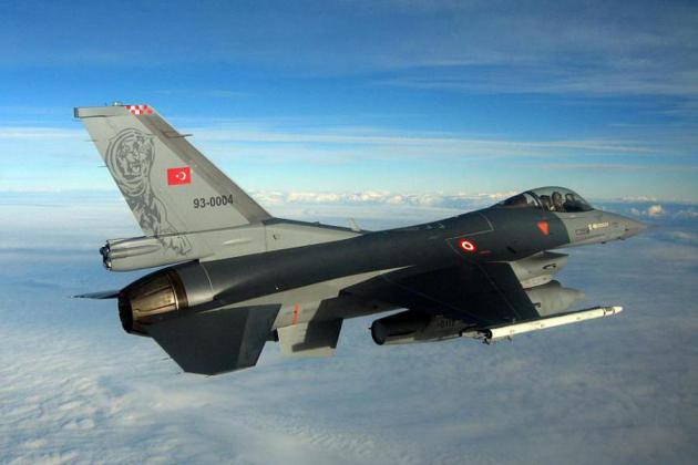 Τουρκικό F-16  πέταξε σε χαμηλό ύψος πάνω από τη Ρω!