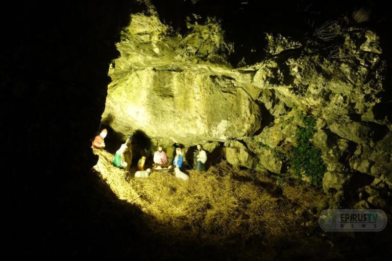 Ιωάννινα: Εντυπωσιάζει και φέτος το σπήλαιο που… μεταμορφώθηκε σε φάτνη!   Newsit.gr