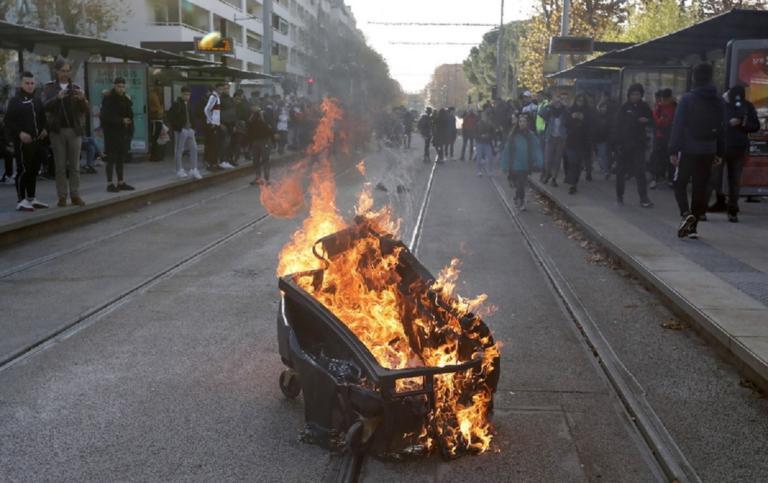 Γαλλία: Καταλήψεις και στα λύκεια! Αντιδρούν στις μεταρρυθμίσεις Μακρόν! | Newsit.gr