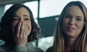 Η διαφήμιση που μας έκανε να δακρύσουμε: Πόσο χρόνο έχεις ακόμη με τους αγαπημένους σου