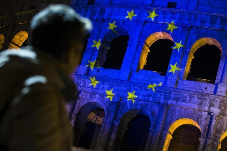 Τα βρίσκουν Ιταλία και Ευρωπαϊκή Ένωση για τον προϋπολογισμό! | Newsit.gr