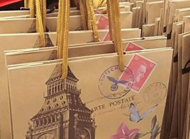 Jumbo: Αποσύρονται μετά την κατακραυγή οι σακούλες με τον… Χίτλερ | Newsit.gr