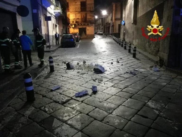 Σεισμός: Τα video του τρόμου – Χαλάσματα και καταστροφές στην Κατάνια   Newsit.gr