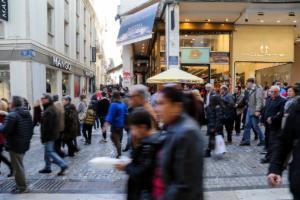 Εορταστικό ωράριο αύριο Παραμονή Πρωτοχρονιάς: Τι ώρα κλείνουν τα καταστήματα