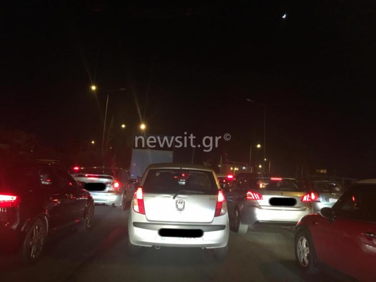Ουρές χιλιομέτρων στην εθνική από τροχαίο [pics] | Newsit.gr