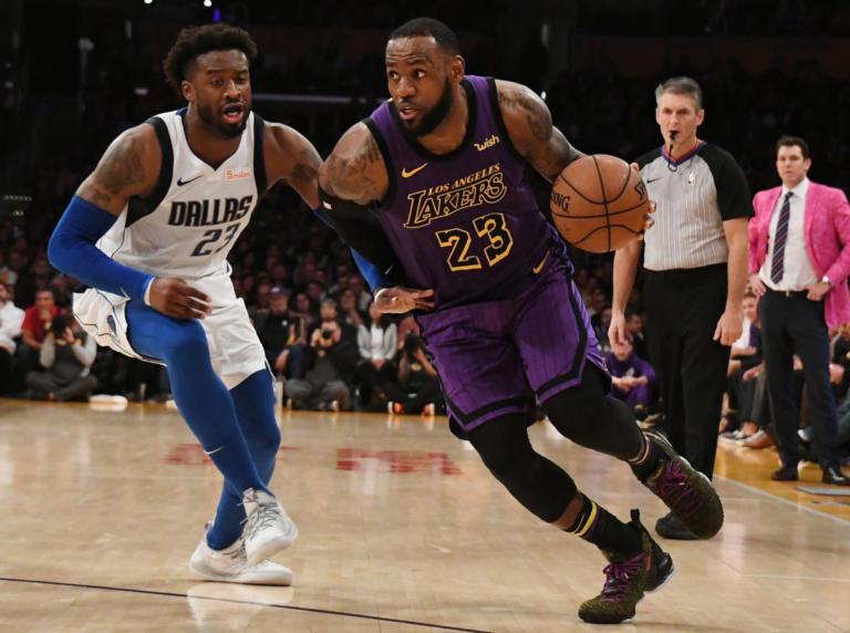 """NBA: Ο ΛεΜπρόν Τζέιμς """"δίδαξε"""" τον Ντόντσιτς – Νέος διασυρμός για Σπερς – video   Newsit.gr"""