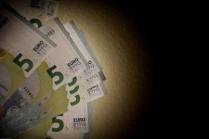 Έρχεται νέα ρύθμιση οφειλών με 120 δόσεις και διαγραφή χρέους