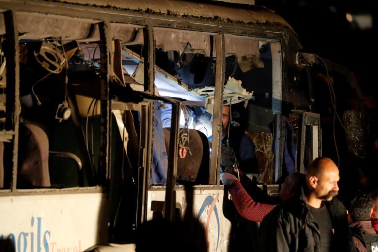 Βομβιστική επίθεση στο Κάιρο: Νεκροί τρεις Βιετναμέζοι τουρίστες και ένας Αιγύπτιος ξεναγός – Video | Newsit.gr