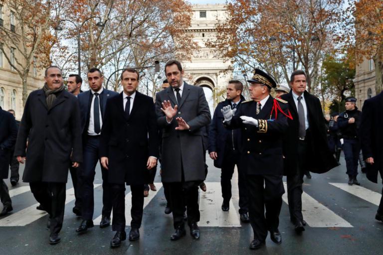 """Διάλογο με κόμματα και """"κίτρινα γιλέκα"""" ζητά ο Μακρόν   Newsit.gr"""