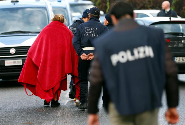 Ιταλία: Μεγάλο χτύπημα στη μαφία – Πάνω από 90 συλλήψεις | Newsit.gr