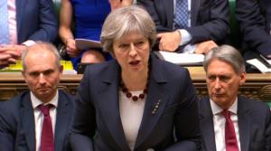 Διαψεύδει η Μέι: Κανονικά η ψηφοφορία για το Brexit