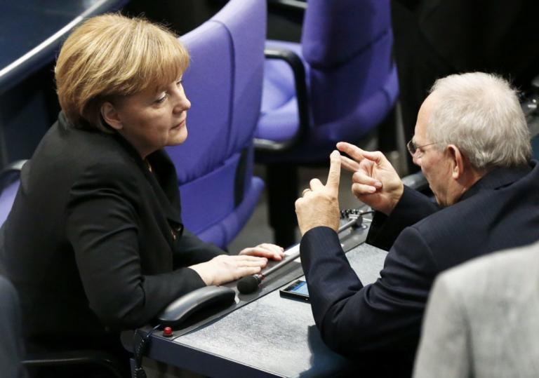 Αποκάλυψη! Ο Σόιμπλε ήθελε να «κλέψει» την καγκελαρία από τη Μέρκελ! | Newsit.gr
