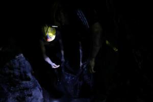 Ινδία: Αγωνία για εργάτες που παγιδεύτηκαν σε παράνομο ανθρακωρυχείο