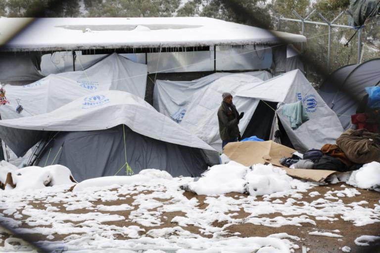 Der Standard: Συνθήκες Αφρικής σε ελληνικά hot spot | Newsit.gr