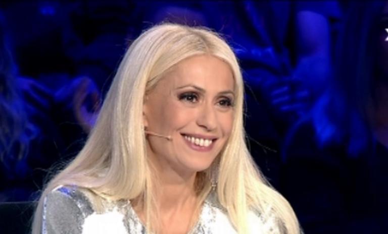Ελλάδα έχεις Ταλέντο – Τελικός: Με αβυσσαλέο ντεκολτέ η Μαρία Μπακοδήμου! | Newsit.gr