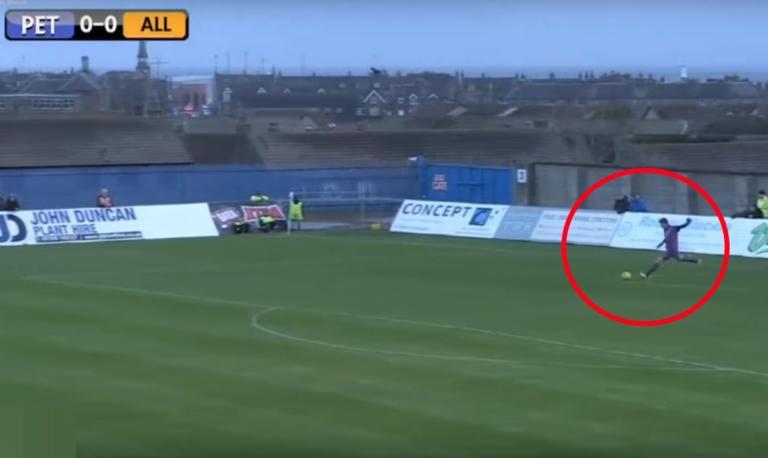 Ετοιμάζεται να εκτελέσει το ελεύθερο και στο 0:10 γίνεται ο πρωταγωνιστής του αγώνα! | Newsit.gr